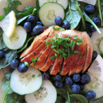 Beauty Lunch Series: Spinach Salad With Chicken, Blueberries and Cucumber