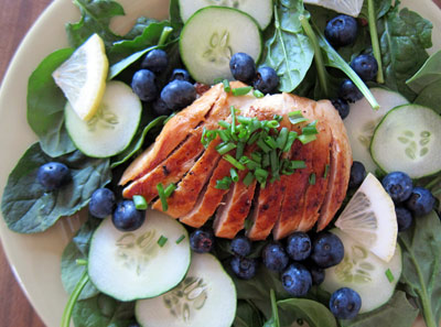 Spinach-Chicken-Blueberry-Cucumber-Salad-400